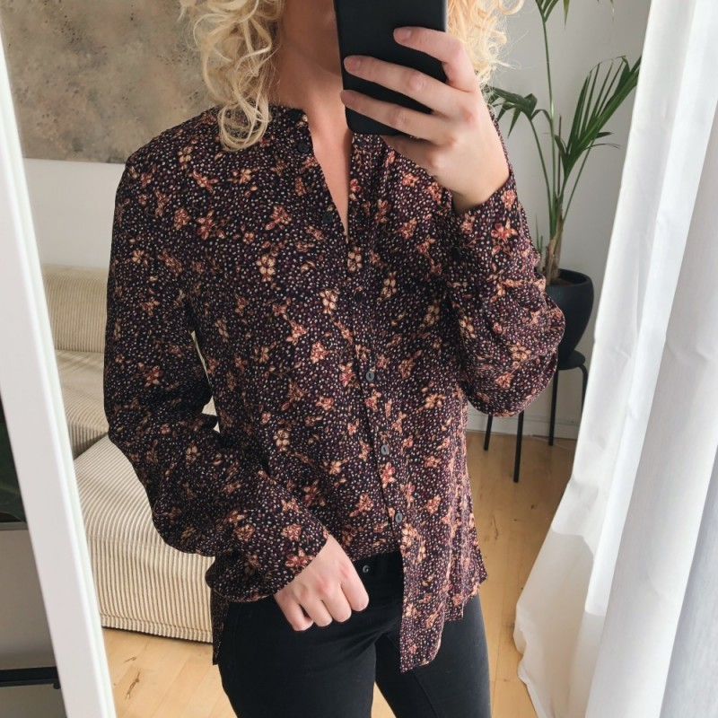 Second Female | Totti Skjorte | Sort-31